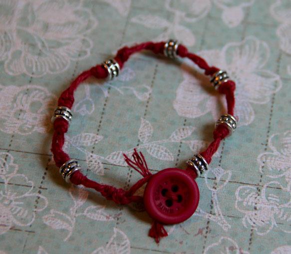 Red macrame (1)