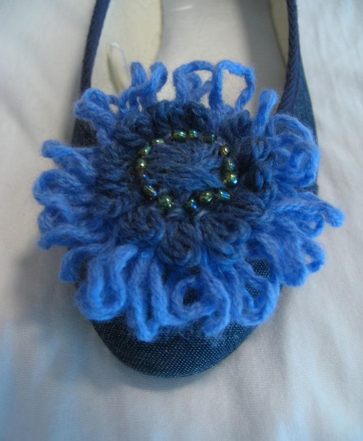 Yarn flower on shoe